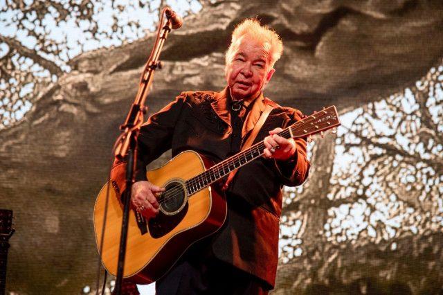 两届格莱美奖得主创作歌手普林因新冠病毒离世
