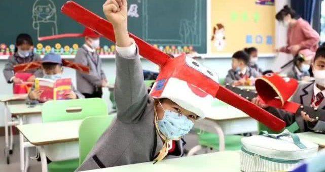 """疫情之下,世界各国都重新设计生活设施,开启""""一米帽""""式新生活"""