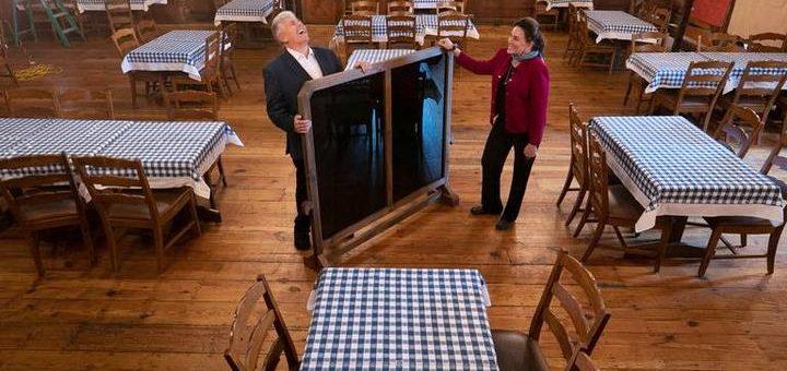 """【北卡快讯】餐馆酒吧在周五将被恢复""""半营业"""""""