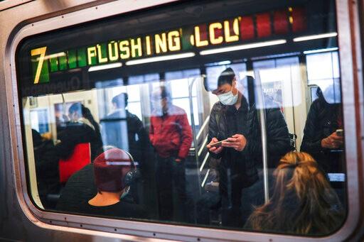 CDC鼓励人们疫情期间摒弃公共交通 但恐加剧另一危机