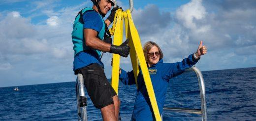 首位太空行走美国女性 抵达马里亚纳海沟最深处