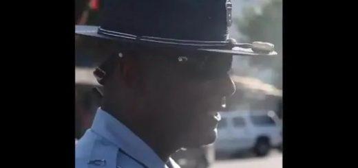 黑人警官大哥不卑不亢 拒绝下跪:我从来只跪一人