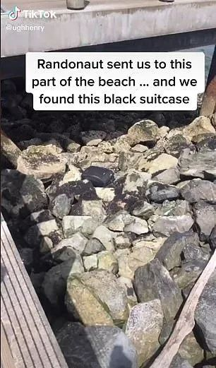 可怕! 一群美国少女海边拍抖音 发现神秘
