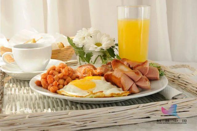 人一生只能吃9吨食物,谁吃完谁先走?吃得越饱死得越早?真相是…
