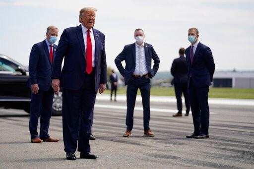 白宫立场松动 鼓励民众本周参加川普集会时戴口罩