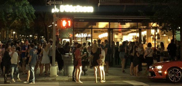 违反社交距离 纽约市又有105家餐厅餐馆面临处罚