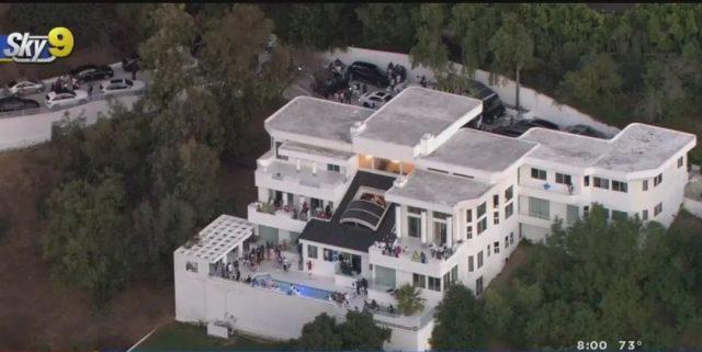 美国爆恐怖枪击! 枪手闯200人派对豪宅扫射 多人死伤! 鬼哭狼嚎一片