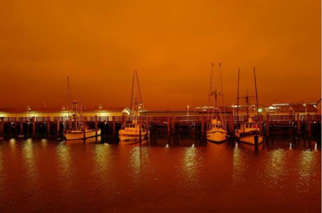 灾难! 烈火席卷美国4州 旧金山天地一片血红 惨变火星鬼城 游客如困炼狱!