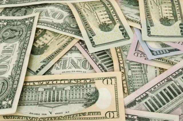 私下换人民币惹上大麻烦,华裔男子面临5年刑期+25万美元罚款