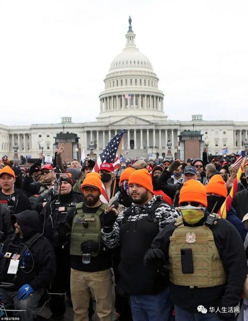 突发!华盛顿大乱!川普支持者冲进国会!有人遭枪杀,点票叫停!国民警卫队进入,全城宵禁!