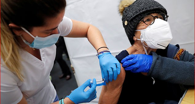 """更多死亡!纽约男子注射疫苗25分钟后离世,而官方却反复声称""""没有任何副作用""""!英语评论区炸裂"""