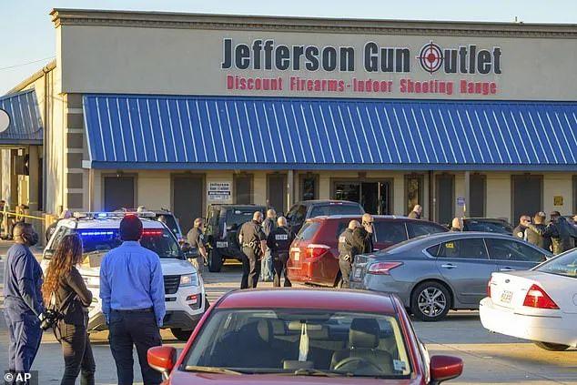 5人死伤! 美国枪店突然爆发枪战! 顾客店员纷纷霸气拔枪 和枪手对射!