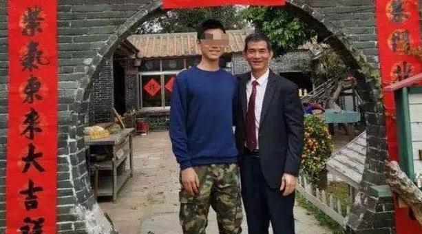 中国留学生突然过世,网红爸爸写下《致埃默里大学Dave的同学们》一封信