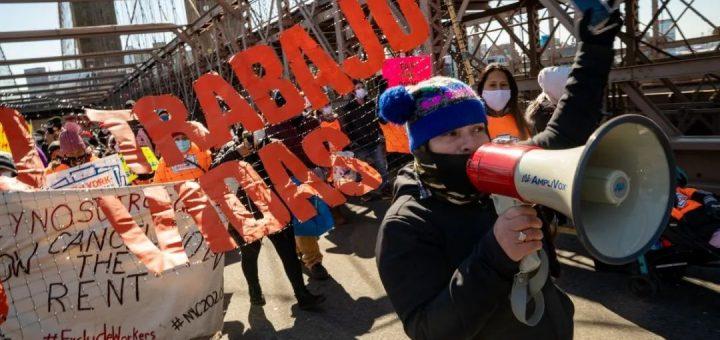绝食三周,非法移民大胜,马上发钱!纽约每人一次性最高给$15,600!在美打黑工也有份!