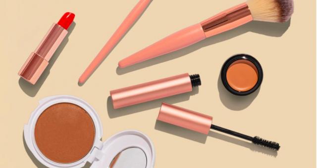 惊吓!全美一半以上化妆品含有致癌化学物,今天你用了吗?