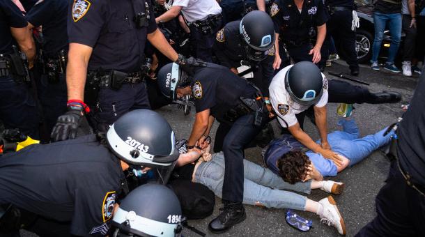 """纽约华人商家注意啦! 许多纽约抢劫犯被""""无罪""""开释,令人担忧!"""