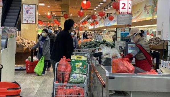 食物价格一路猛涨,超市开始囤货求自保!