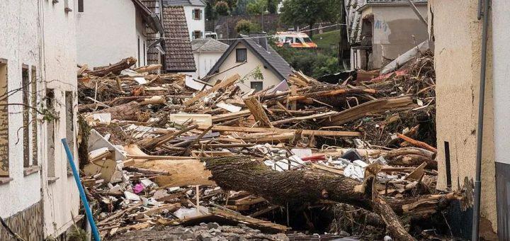 百年不遇! 67死70失踪! 欧洲洪灾摧毁多个城市 居民遭巨浪卷走 房屋夷为平地!