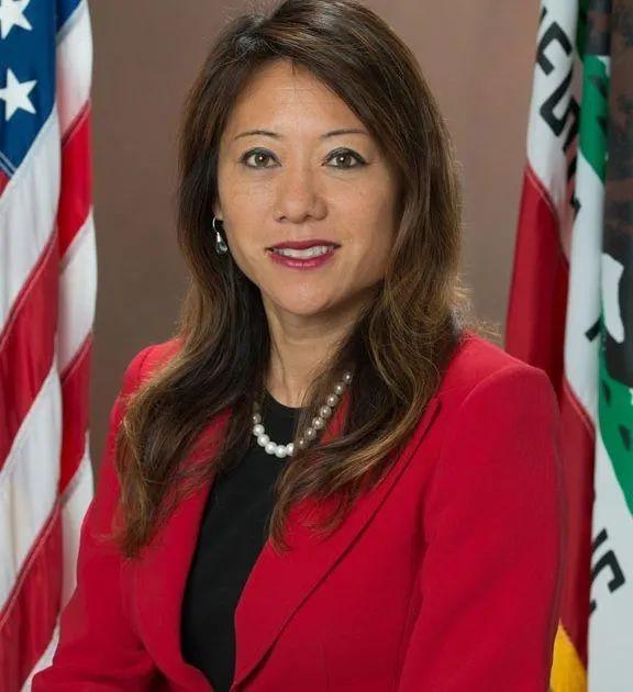 震惊!加州华裔女财长马世云,遭非裔女下属指控性骚扰!