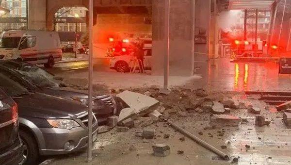 惊悚视频! 男子去交个手机费 人行道突然爆炸起火 他惨遭炸飞: 这是地狱吗?!