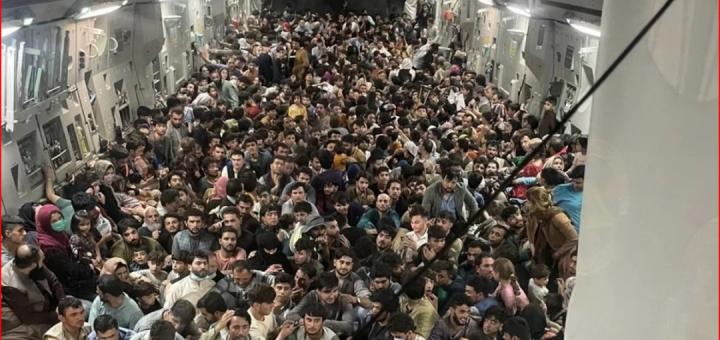 美军被强奸!五角大楼派女兵照顾阿富汗难民,但在安置点惨遭蹂躏…